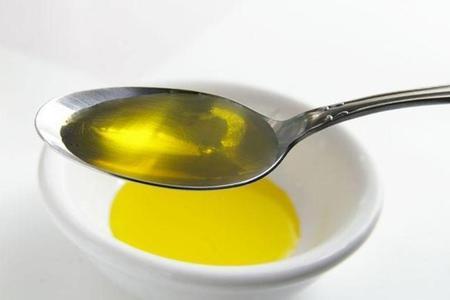 Risultato immagini per cucchiaio di olio